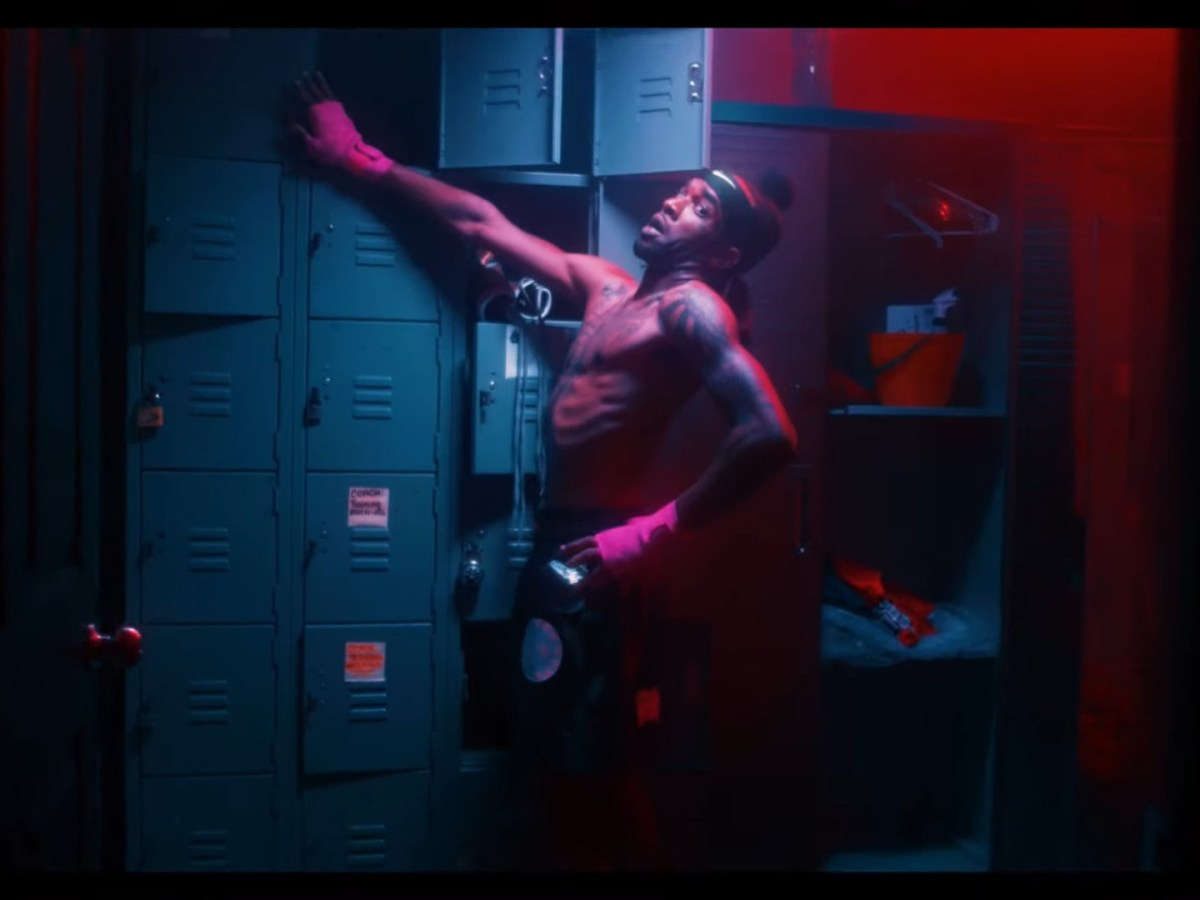 """Voochie P Goes Boxing Crazy In """"Champ"""" Video"""