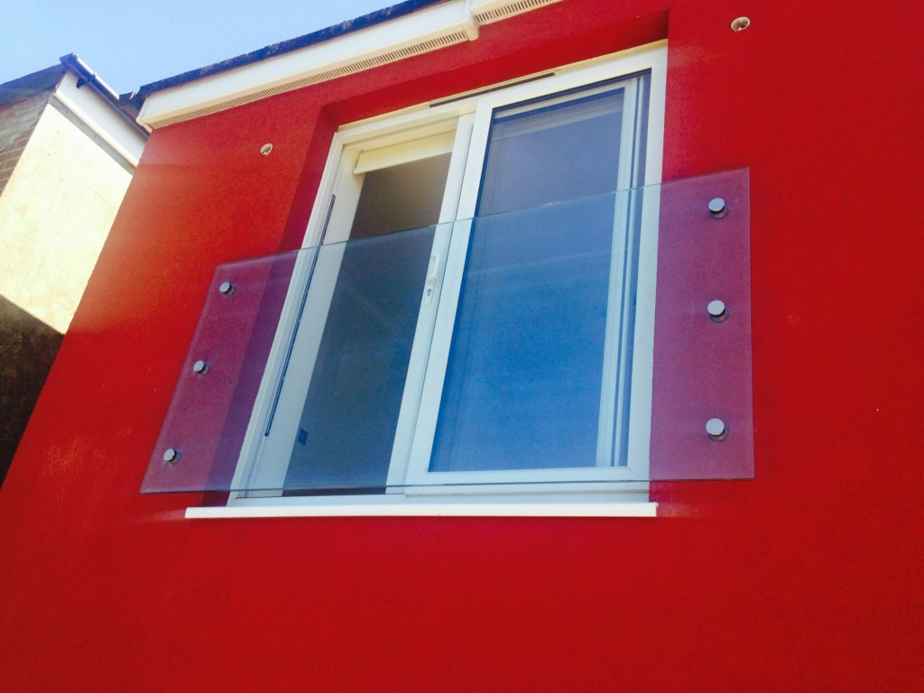 Juliette Balcony Glass Balustrade