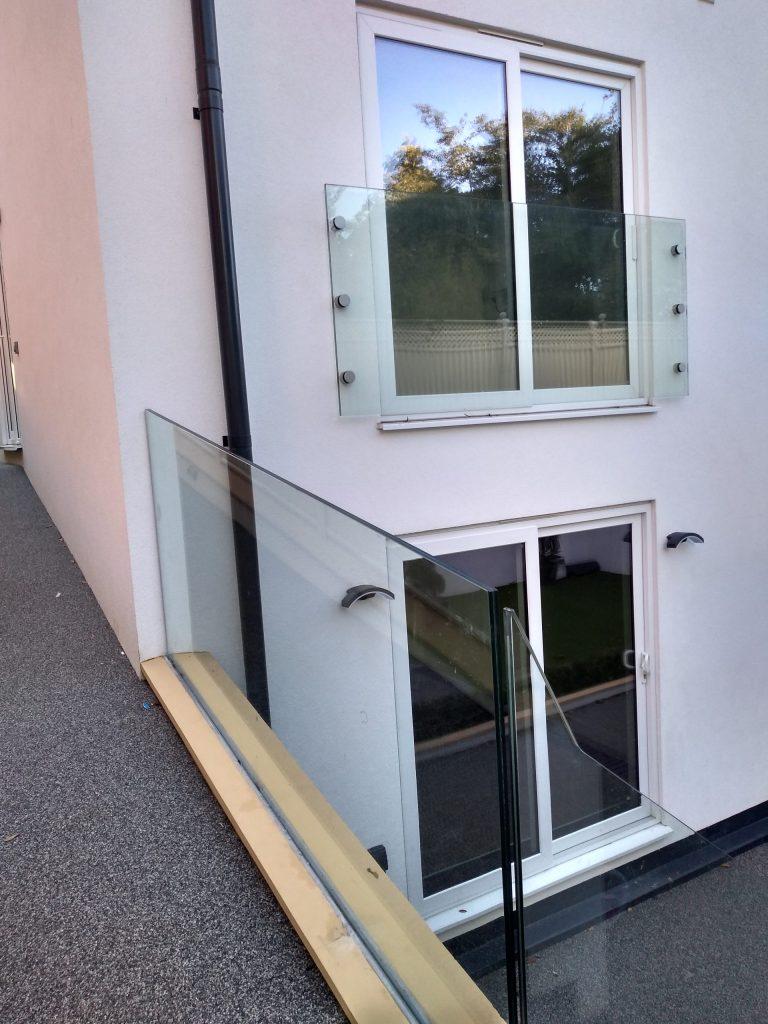 Framless glass balustrade and Juliette Balcony