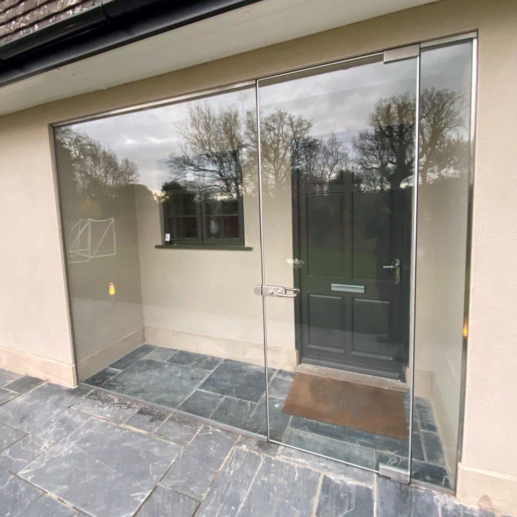 Glass Entrance Screen Reigate