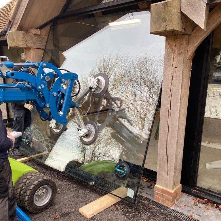 Glazing robot installation