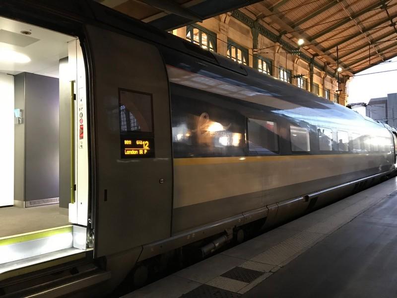 Viagem de trem de Paris para Londres