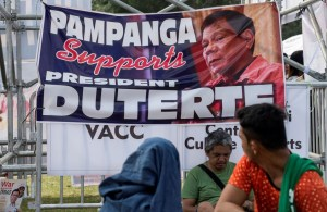Duterte supporters attend an overnight vigil to demonstrate backing for his drug crackdown in Manila. (Noel Celis/AFP/Getty Images)