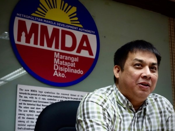 JOKER JOJO. MMDA Assistant General Manager Jojo Garcia gives a press briefing. File photo by Rambo Talabong/Rappler