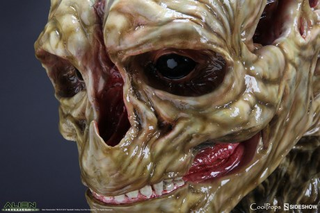 alien-resurrection-alien-newborn-life-size-head-coolprops-902730-09