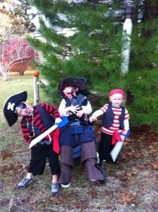 Sibling Pirates