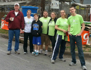 Hand to Hold staff and volunteers at the Austin Marathon Waterstop