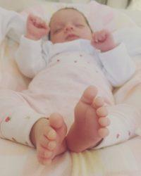 coming home NICU, prematurity, preemie, hand to hold