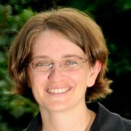 Dr. Rachelle Studer-Byrnes, PT, DPT,NCS