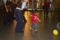 refugees-welcome-in-münchen-flüchtlinge-im-Hauptbahnhof05