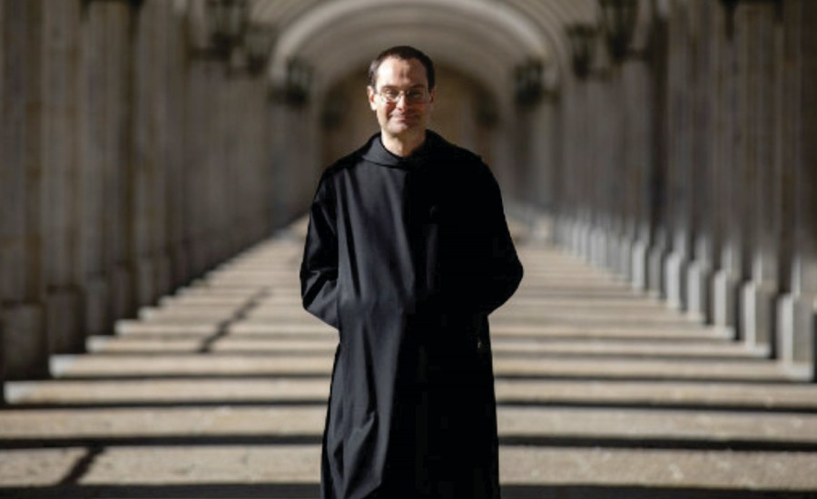 Prior de la Abadía denuncia a Delegación de Madrid