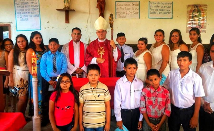 Mons. Rafael visita comunidades de La Banda de Shilcayo