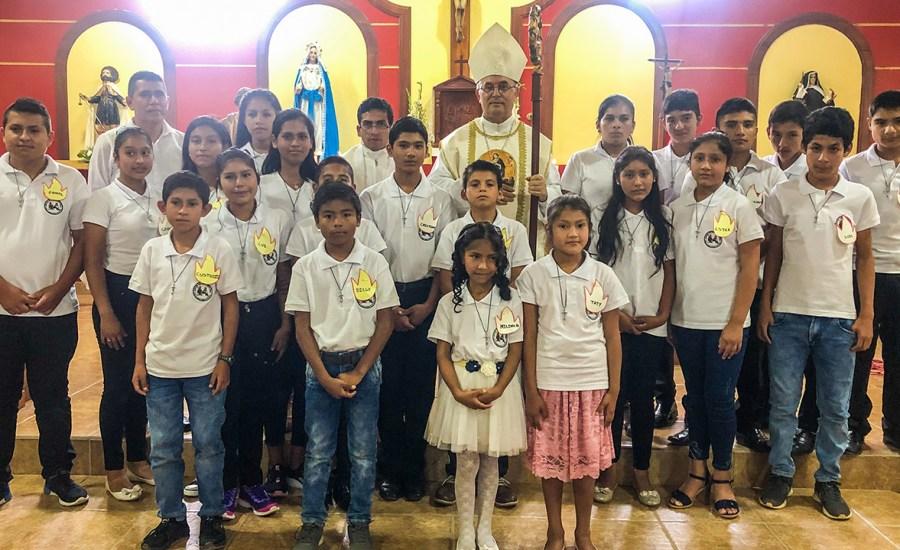 Jepelacio celebra sacramentos de iniciación cristiana