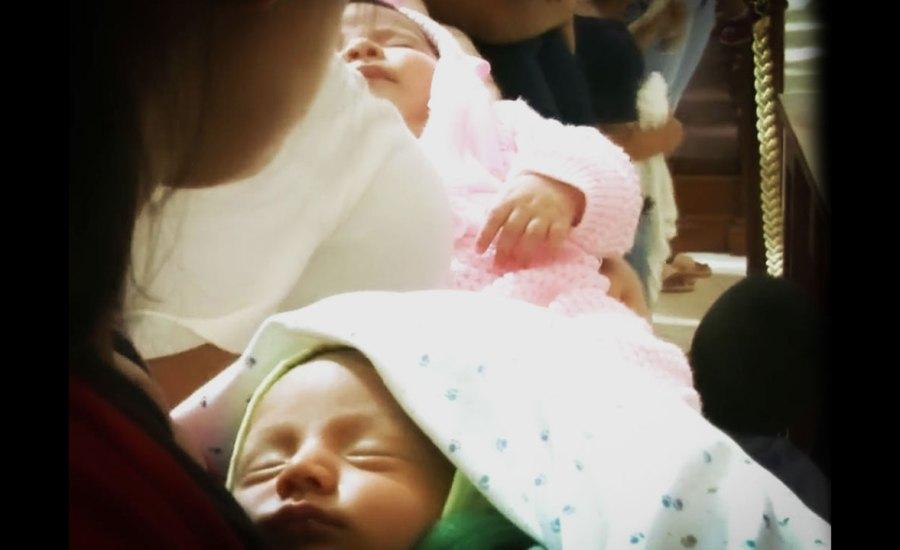 Bendición de recién nacidos, en la Fiesta de la Presentación