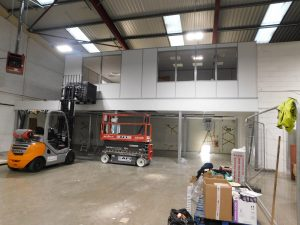 Installation of the offices on the new mezzanine floor