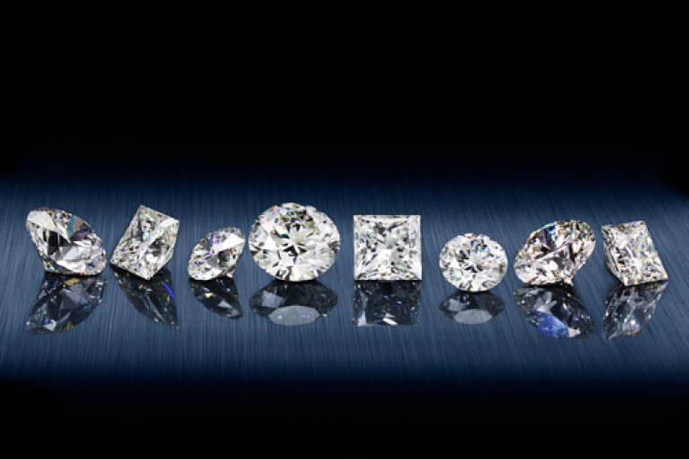 Merry Richards Jewelers -- Glenview Illinois, Oak Brook Terrace Illinois -- Hearts on Fire -- Diamond Engagement Rings