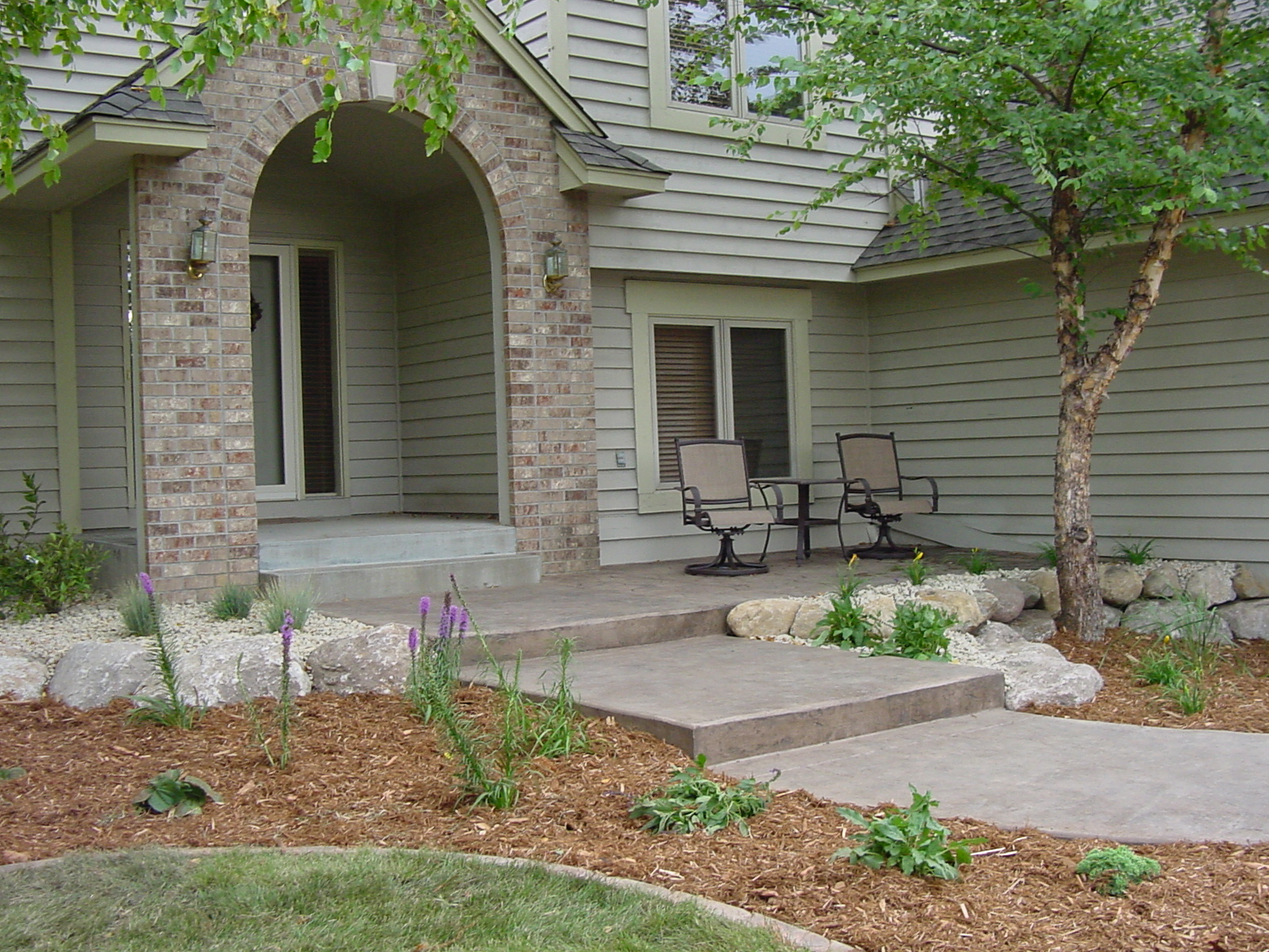 Residential landscape design ideas and photos, Shakopee ... on Concrete Front Yard Ideas id=46335