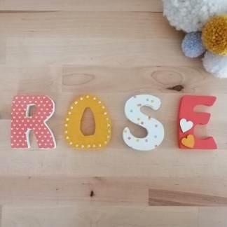 Rose prénom en bois
