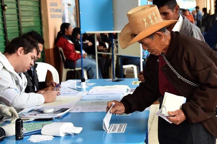 8216cb5b 39b5 48f1 95bf a1876e873652 - En medio de escándalos de corrupción, elecciones en Guatemala
