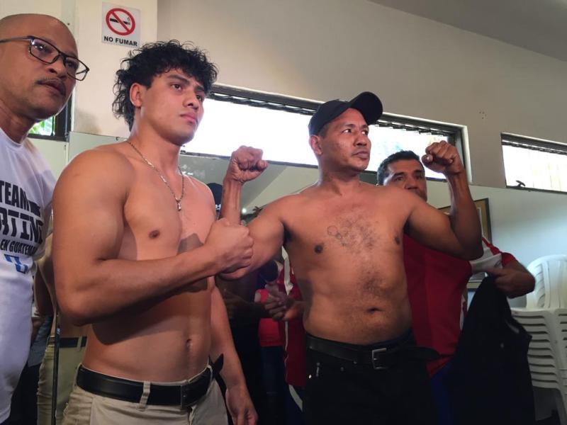Léster Martínez y Ricardo Mayorga durante la presentación oficial de la pelea profesional. (Foto Prensa Libre: La Red).
