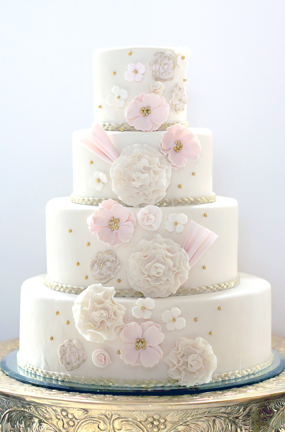 15 Simple Classic Wedding Cakes PreOwned Wedding Dresses