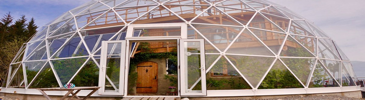 Amazing Nature House Of Family Living Off The Grid