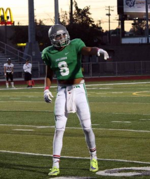 Provo's Ty Jones caught four TD passes Friday night. (Photo by Kurt Johnson)