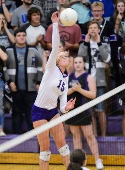 Lehi's Rylin Roberts is one of the state's top hitters. (Photo by Dave Argyle, dbaphotography.com)