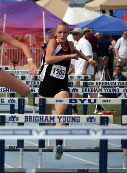 Lindsay Yetter of Ogden at the 2015 BYU Invitational track meet. (Photo by Kurt Johnson)