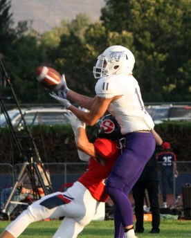 Lehi receiver Kade Moore had 13 catches against Springville in Week 2. (Photo by Kurt Johnson)