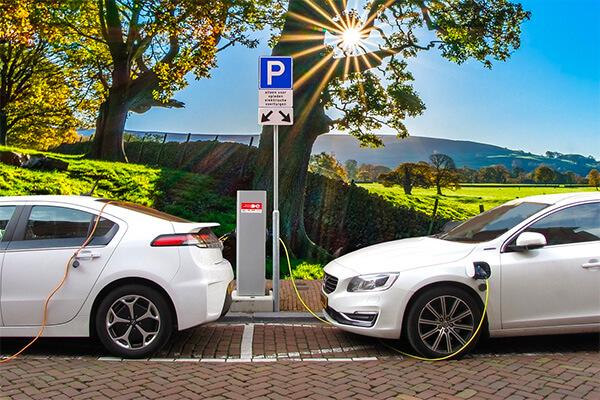 presainblugi-avantajele-dezavantajele-masinilor-electrice