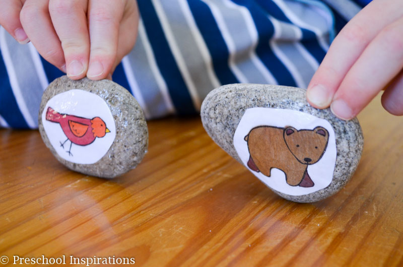 Brown Bear Story Stones with FREE printable - Preschool Inspirations