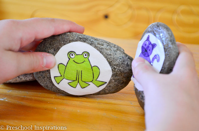 Brown Bear Story Stones with FREE printable - Preschool Inspirations-7