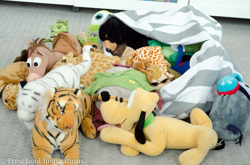 Need a stuffed animal storage solution? This bean bean stuffed animal keeps stuffed animal off the floor and neat and organized.