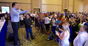 Ricardo Rosselló se dirige a los presentes durante la convención del PNP en Fajardo. (Foto/Suministrada)