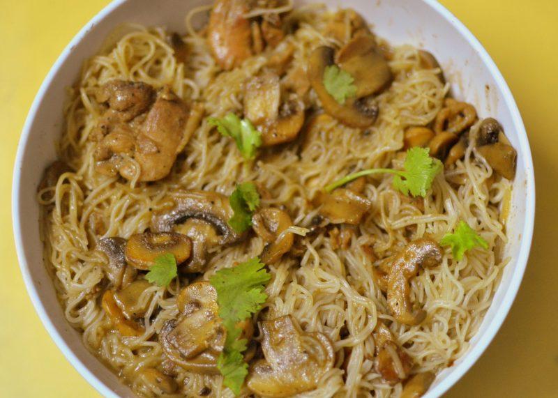chicken mushroom pepper noodles