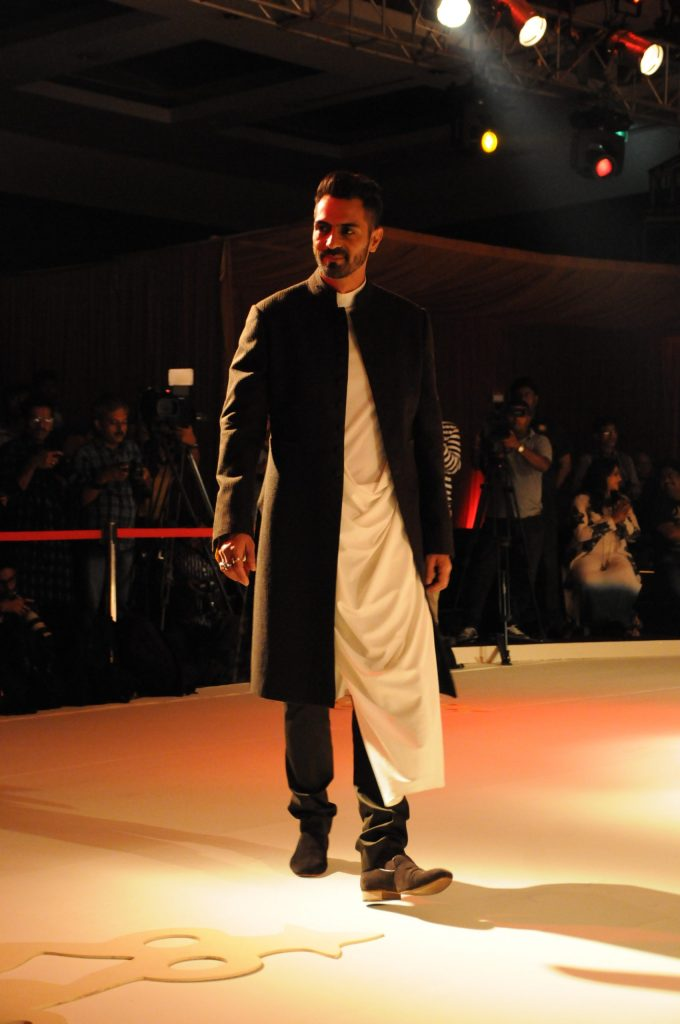Arjun Rampal, the showstopper at The Prince Unknown by Shantanu & Nikhil