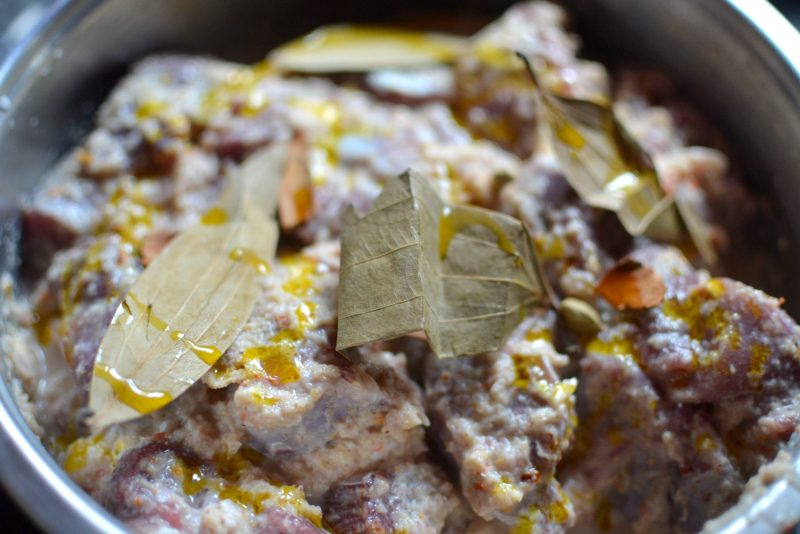 mutton marinating for tehari