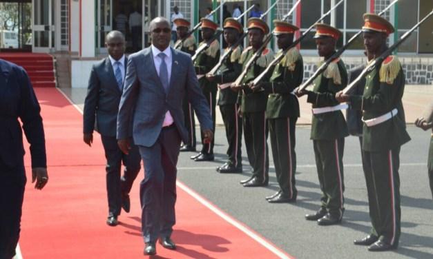 S.E le  Premier Vice-Président de la République du Burundi participera au 18è sommet ordinaire  des Chef d'États de l'EAC