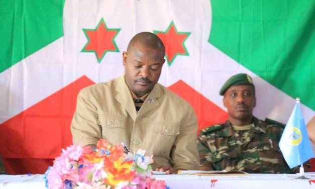 Évaluation de la sécurité à Muhanga en présence du Président Pierre Nkurunziza