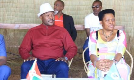 Son Excellence le Président Pierre NKURUNZIZA dans sa commune natale Mwumba pour la célébration de la fête communale