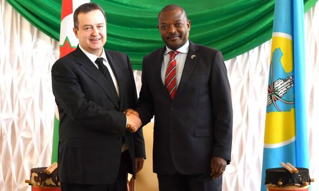 Son Excellence Pierre Nkurunziza reçoit un envoyé spécial du Président Serbe