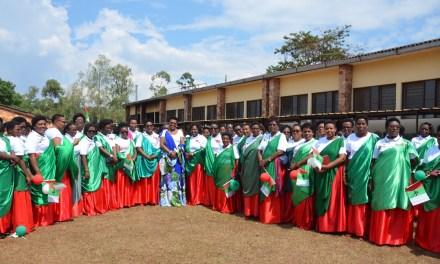 La Première Dame du Burundi avec la ligue des femmes du CNDD-FDD