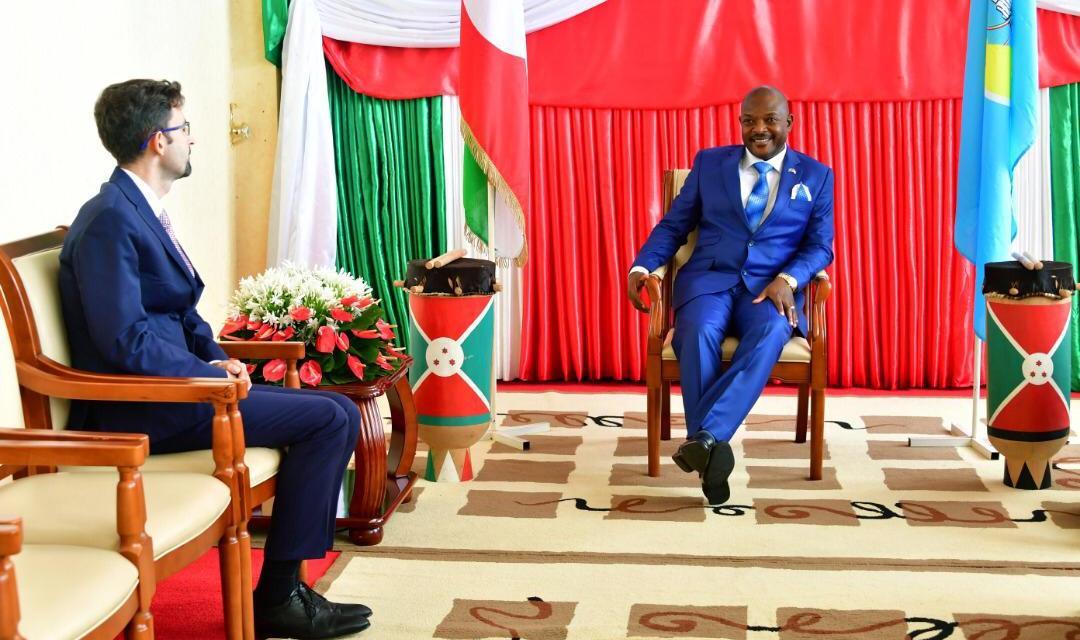 Quatre Ambassadeurs présentent les lettres de créance au Chef de l'Etat Burundais