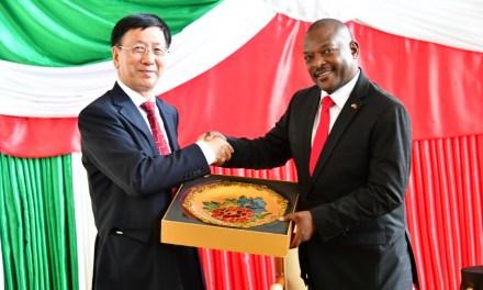 Le Président Burundais reçoit le Vice- Président de l'APN Chinois