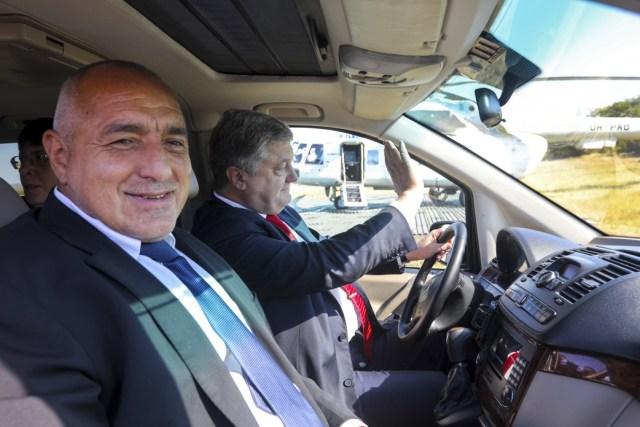 Президент України з Прем'єр-міністром Болгарії ознайомилися з ходом ремонтних робіт траси Одеса – Рені