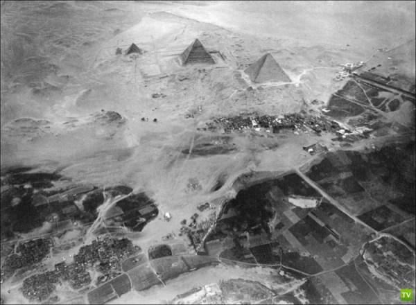 Египетские пирамиды с другого ракурса (3 фото)