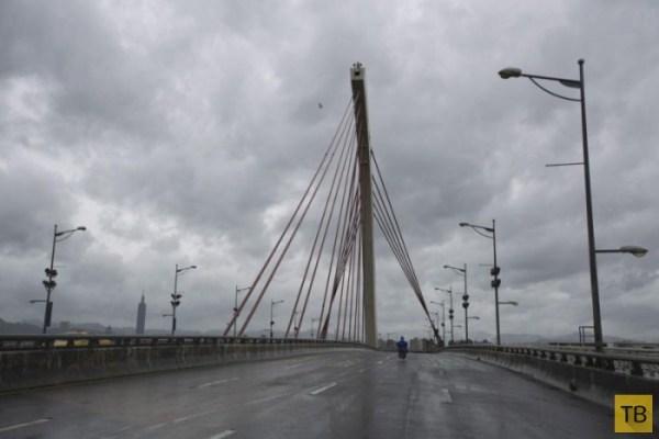 """Тайфун """"Матмо"""" прошелся по Вьетнаму (23 фото)"""