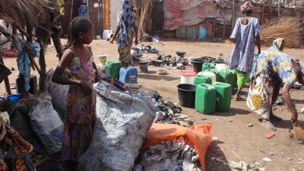 Au Mali, des centaines de déplacés trouvent refuge à Bamako