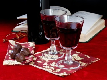 A wine or spirit paired with chocolate paves the way for some pure, unadulterated indulgence...